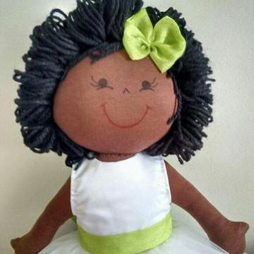 Boneca de pano daminha negra