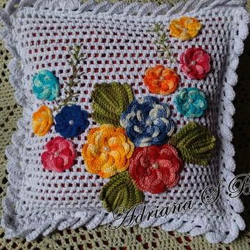 Capa para almofada flores aplicadas