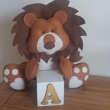 Leão com letra