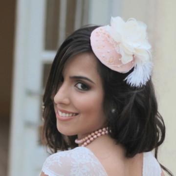 Casquete Bordada Flor Plumas