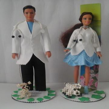 Boneco Doutor e Boneca Doutora com roupas de E.V.A. decoraçã