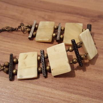 Bracelete de Madrepérola Rústica