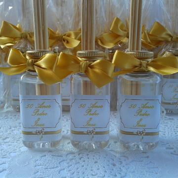 Lembrancinha aromatizador-Bodas de Ouro