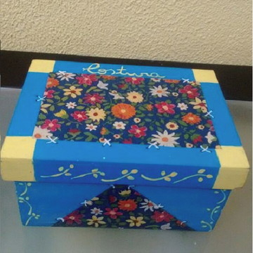 Caixa de costura pequena em MDF