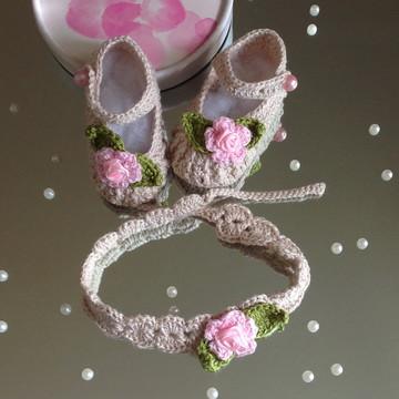 Sapatilha princesinha e tiara em croche
