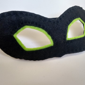 Máscaras Cat Noir com contorno nos olhos