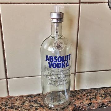 Saboneteira de garrafa de Vodka / Válvula Transparente
