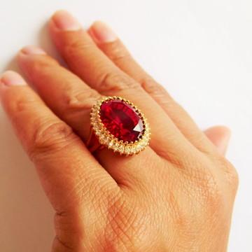 Anel Cristal Rubi oval com zircônia FOLHEADO OURO 18K.