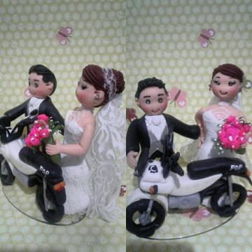 Topo de bolo casamento com moto