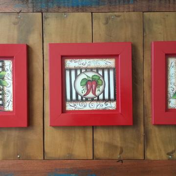 Trio de Quadros Vermelhos de Pimenta
