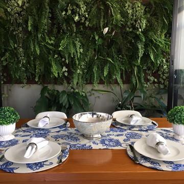Trilho de Mesa em Jacquard Floral Azul 1,45