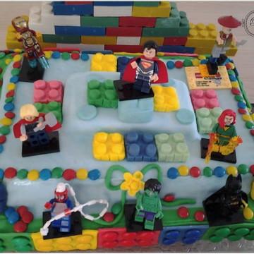 Bolo Lego em pasta americana