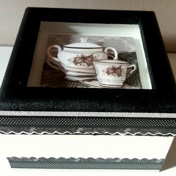 Porta chá em arte francesa