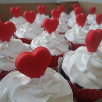 Cupcakes - Corações em Pasta Americana