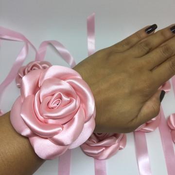 Corsage de rosa em cetim Rosa