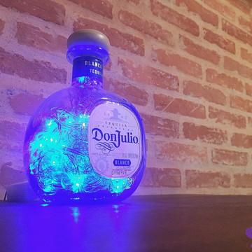 Luminária de garrafa Don Julio