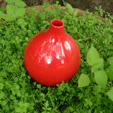 Jarra moringa de cerâmica