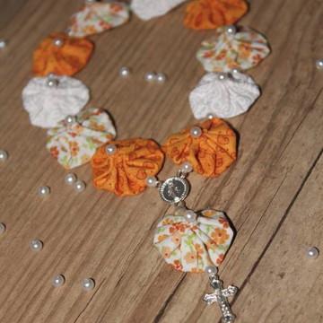 Mini terço de fuxico laranja misto
