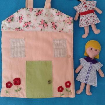 Casinha de bonecas em tecido