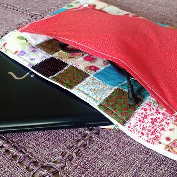 Capa para notebook de patchwork