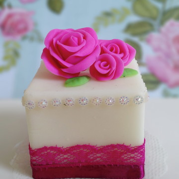 Sabonete Mini Bolo Decorado - Rosa