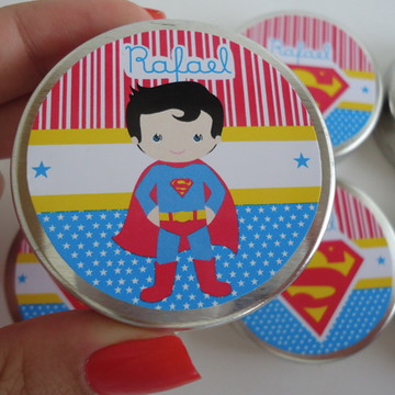 Latinha Superman