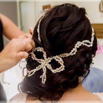 Tiara de noiva de pérolas com laço boho
