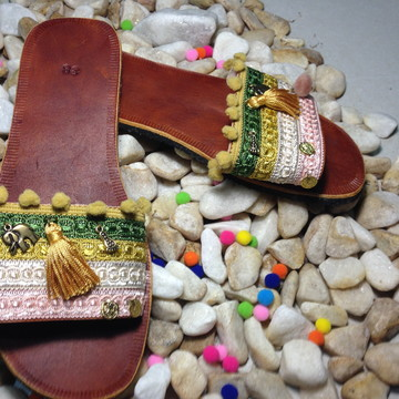 CHINELO EM COURO FLIP FLOP BY BIC