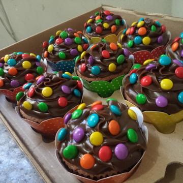 Cupcakes - Brigad.com Confeitos Tipo M&M