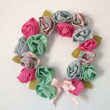 Guirlanda de rosas de tecido