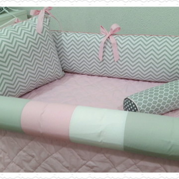 Kit berço montessoriano Chevron Rosa