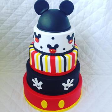 Aluguel Bolo Mickey com topo de cabeça