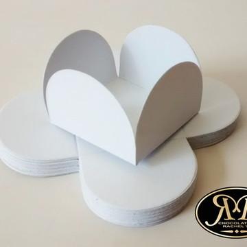 Forminha pétalas papel branca