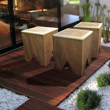 Banco rústico em madeira recuperada