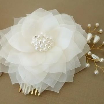 Flor de noiva com pérolas