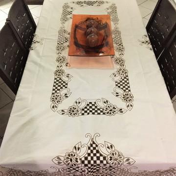 toalha de mesa em rechilieu no percal