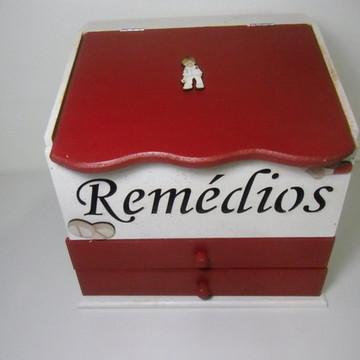 Caixa de Remédios com Aplique MDF