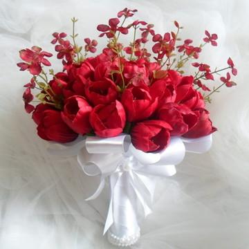 Buque - tulipas vermelhas