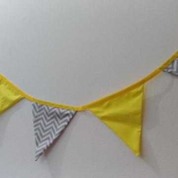 12 bandeirolas decoração chevron amarelo