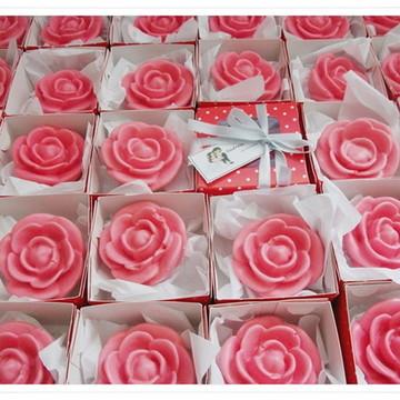 Sabonete rosa com caixa