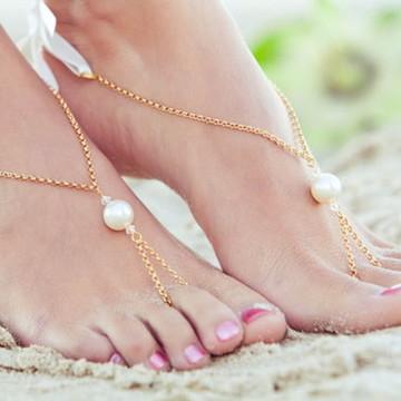 Sandália descalça corrente com pérola