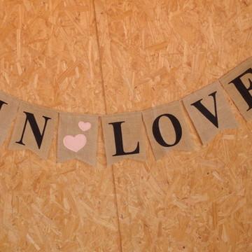 BANDEIRINHAS IN LOVE