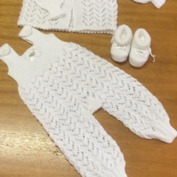 Conjunto de tricô para bebê