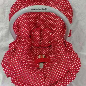 Capa de bebê conforto vermelha coroinhas