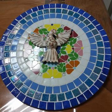 Mandala em mosaico com Divino -