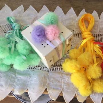 30 Pompons Tule na Fita Festa Decoração