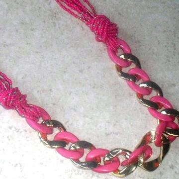 Colar Miçangas Pink/Douradas