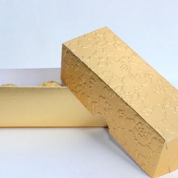 Caixa três docinhos dourada 4,5x4x12,5cm