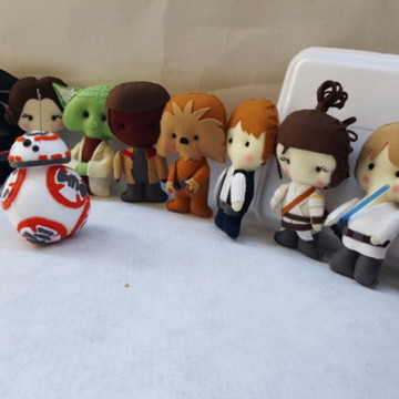 Kit Star Wars com 7 personagens
