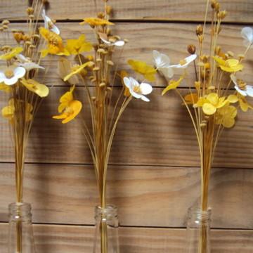 Arranjo de Flores para Garrafas - Centro de Mesa